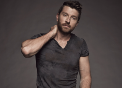 Brett Eldredge Reveals Why Fan Encounters Can Make Him Uncomfortable