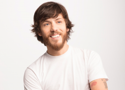 Chris Janson is 'One Hundred Percent' Excited for 'Everybody' to Hear His New Album