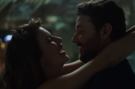 Chris Young Debuts Steamy 'Losing Sleep' Music Video
