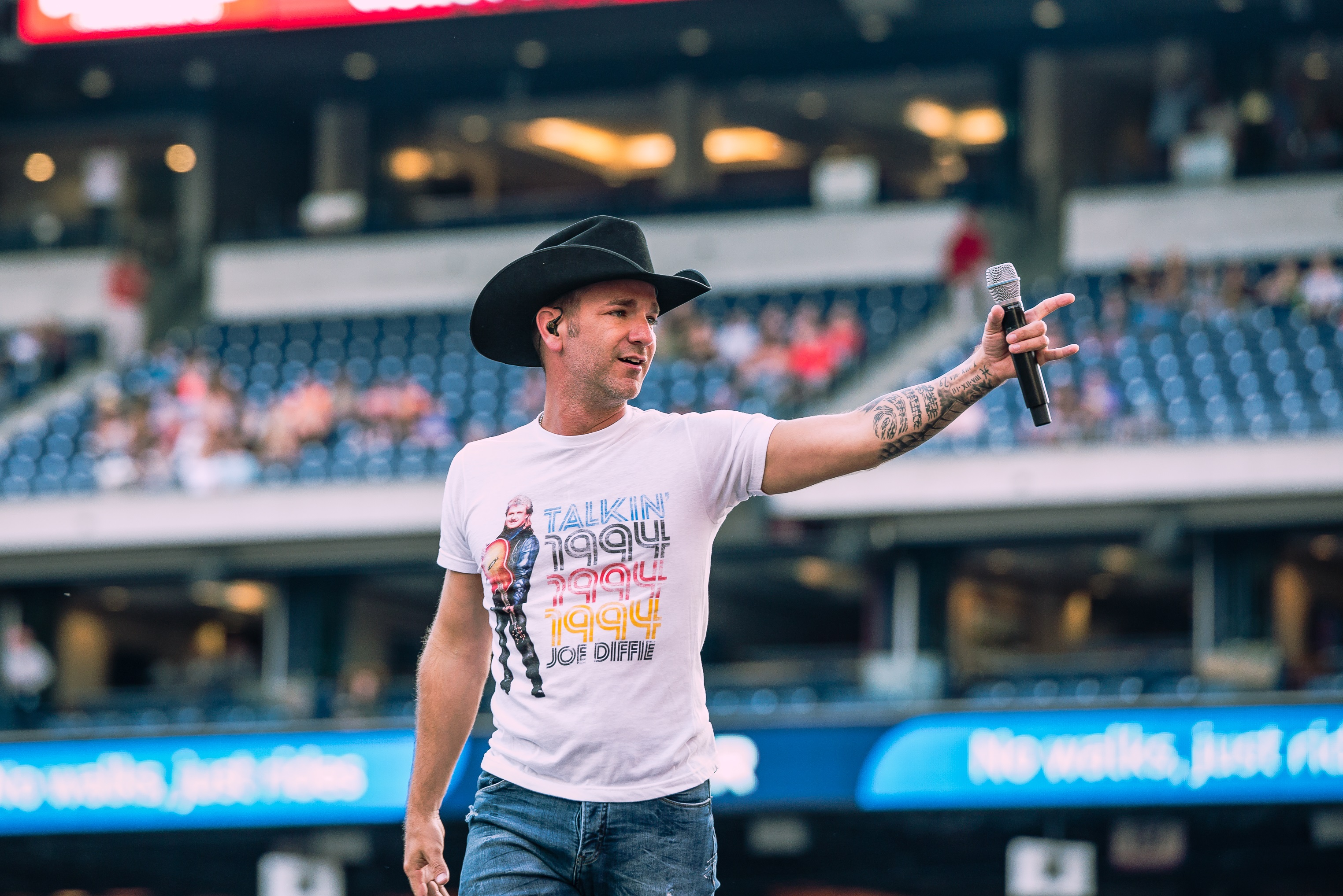Craig Campbell; Photo credit: Andrew Wendowski/Sounds Like Nashville
