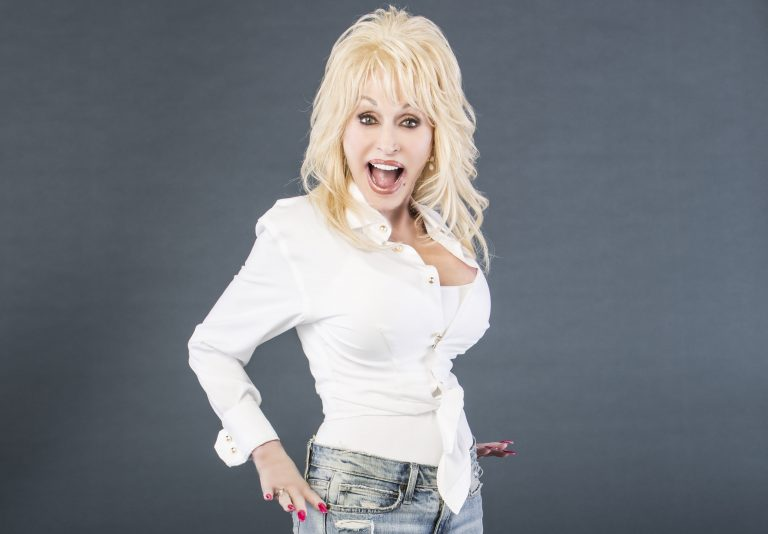 Casting Call: Dolly Parton's Netflix Series is Looking for Extras