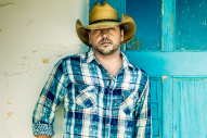 Jason Aldean Highlights Those Who Shaped Him in 'Family, Friends and Fans' Book