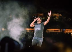 Luke Bryan Lights Up Philadelphia Crowd on Huntin', Fishin' and Lovin' Every Day Tour [Photos]