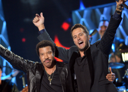 Lionel Richie Signs on To 'American Idol'