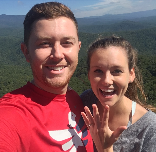 Scotty McCreery Proposes to Longtime Girlfriend