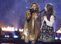 Shania Twain Performs with 'America's Got Talent' Finalist Mandy Harvey