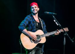Thomas Rhett Tops Billboard 200 Albums Chart with 'Life Changes'