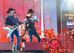 Big & Rich Sing 'God Bless America' with Festival Crowd Hours Before Shooting