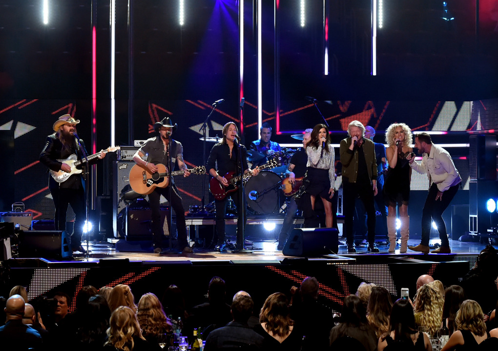 (L-R) Chris Stapleton, Jason Aldean, Keith Urban, Little Big Town; Photo by Rick Diamond/Getty Images for CMT)