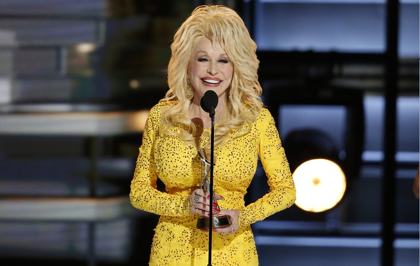 Dolly Parton Recalls Hilarious Wardrobe Malfunction at 1978 CMA Awards