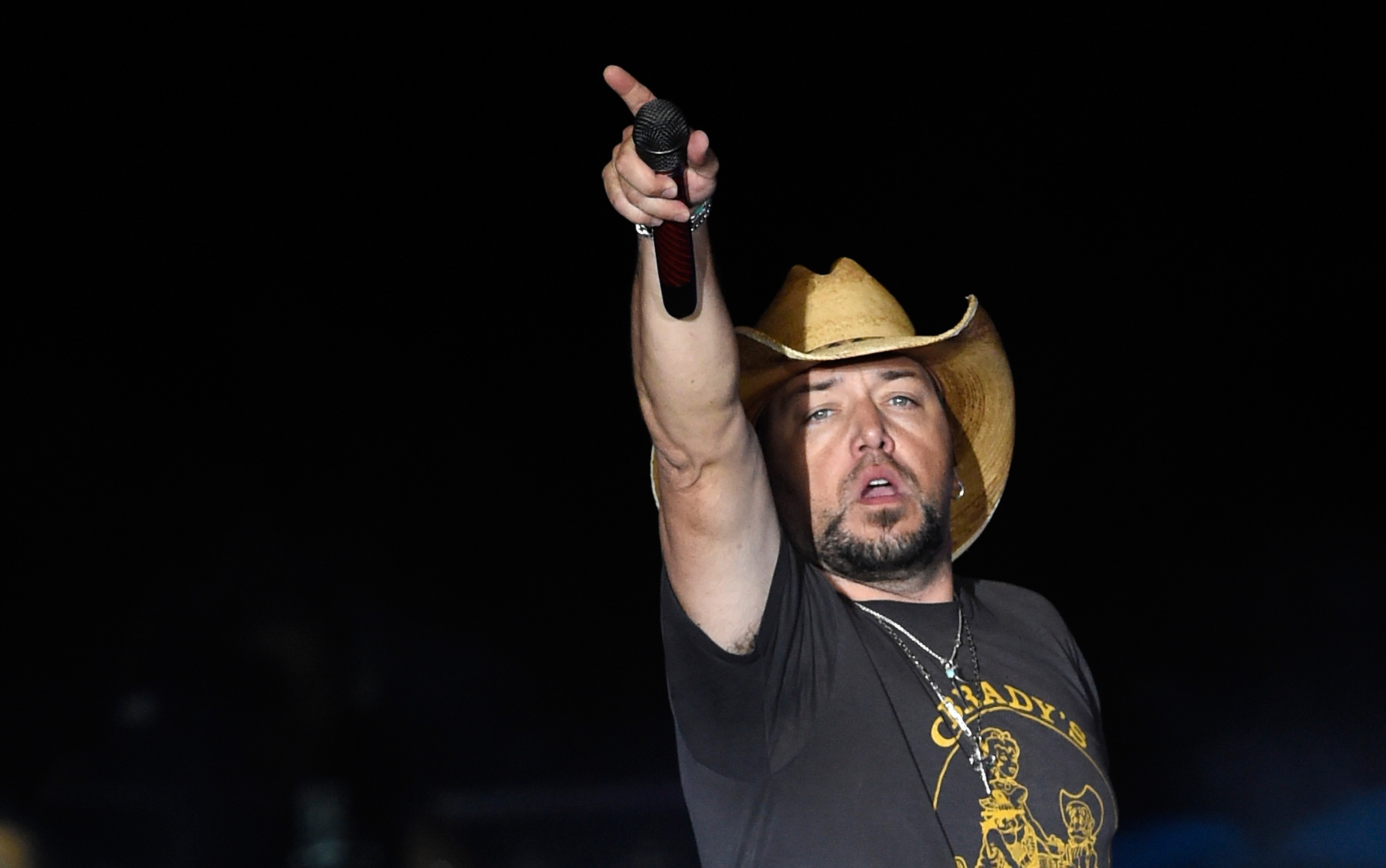 Jason Aldean and Pregnant Wife Safe After Mass Shooting in Las Vegas