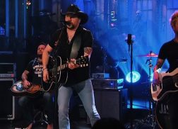 Jason Aldean Makes First Public Appearance After Las Vegas Shooting on 'Saturday Night Live'