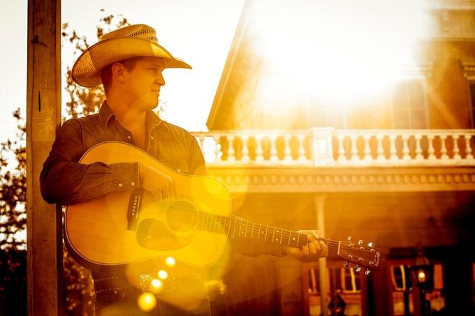 Jon Pardi Continues To Carry Torch for Traditional Country Sound on 'She Ain't In It'