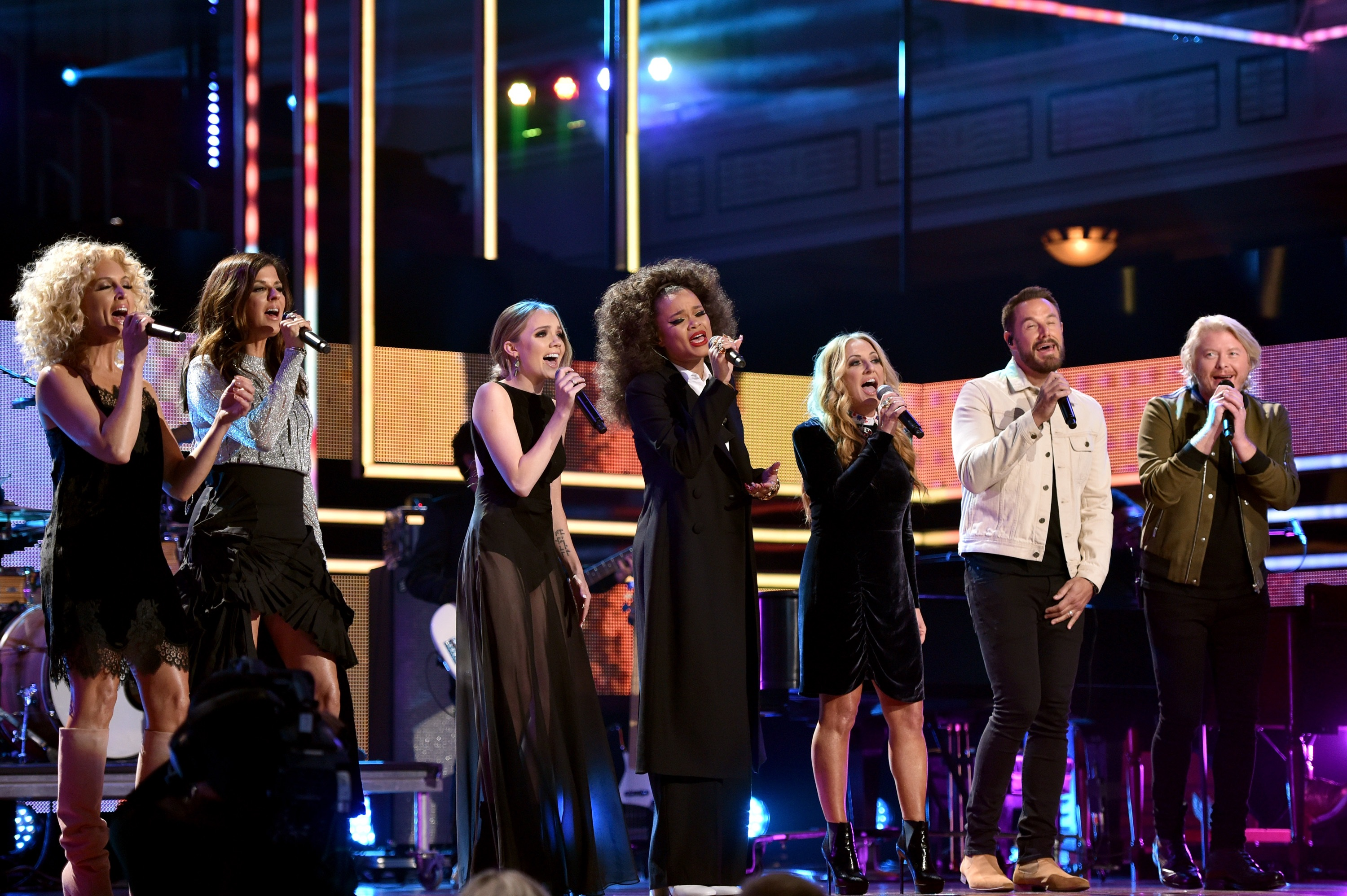 (L-R) Kimberly Schlapman and Karen Fairchild of Little Big Town, Danielle Bradbery, Andra Day, Lee Ann Womack, Jimi Westbrook and Philip Sweet of Little Big Town; Photo by John Shearer/Getty Images for CMT