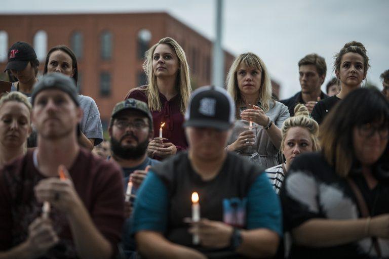 Charles Esten, Keith Urban & More Unite at Nashville Vigil Honoring Las Vegas Shooting Victims