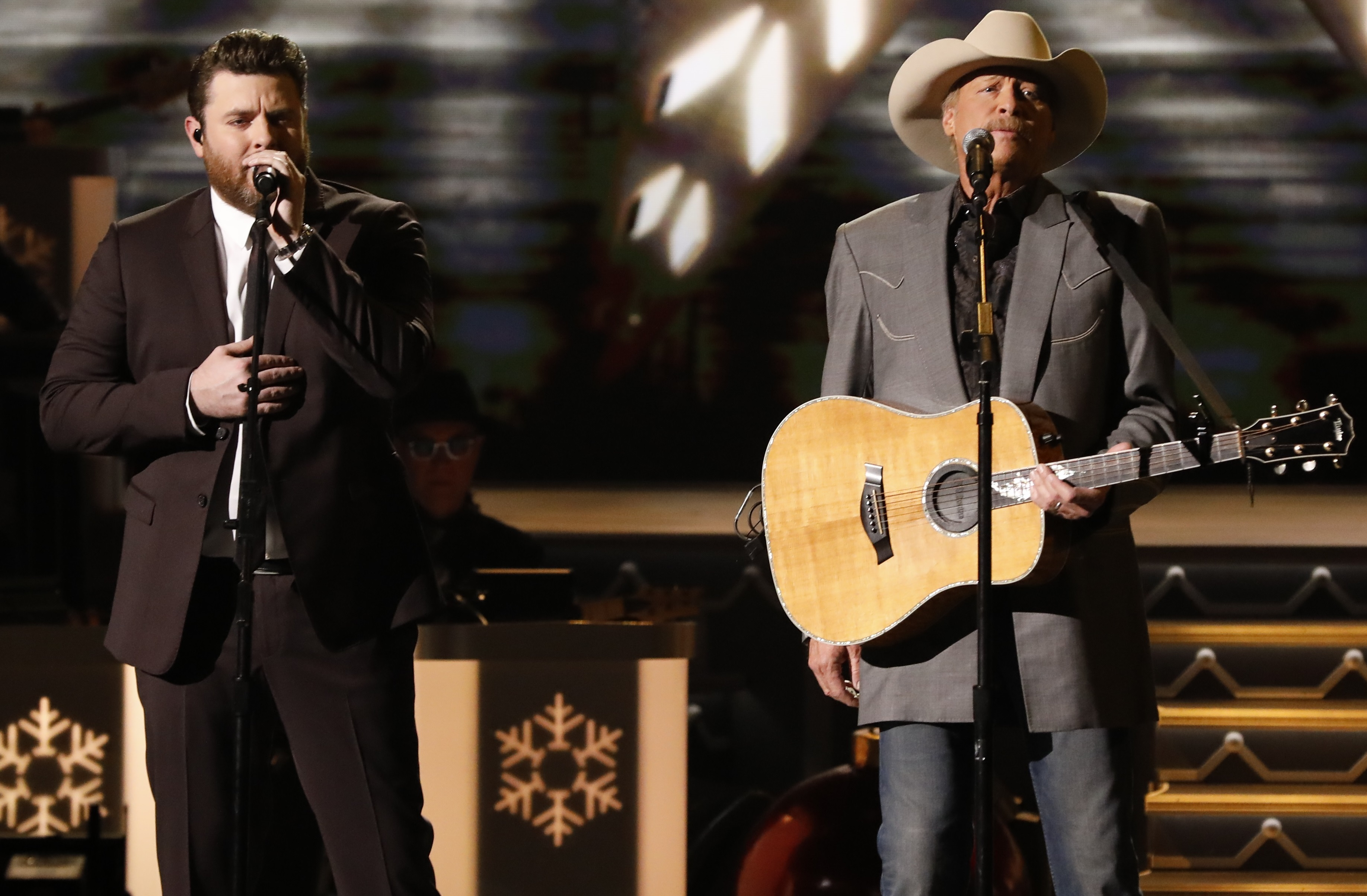 alan jackson and chris young perform theres a new kid in town sounds like nashville