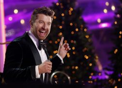 Brett Eldredge 'Heartbroken' Over His Christmas Tree Allergy