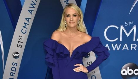PHOTOS: 51st Annual CMA Awards — Red Carpet Arrivals
