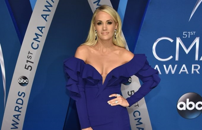 Carrie Underwood Reveals She Needed More Than 40 Stitches in Her Face After Her November Fall