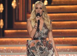 Carrie Underwood Thanks Fans for Well Wishes After Injury From Fall