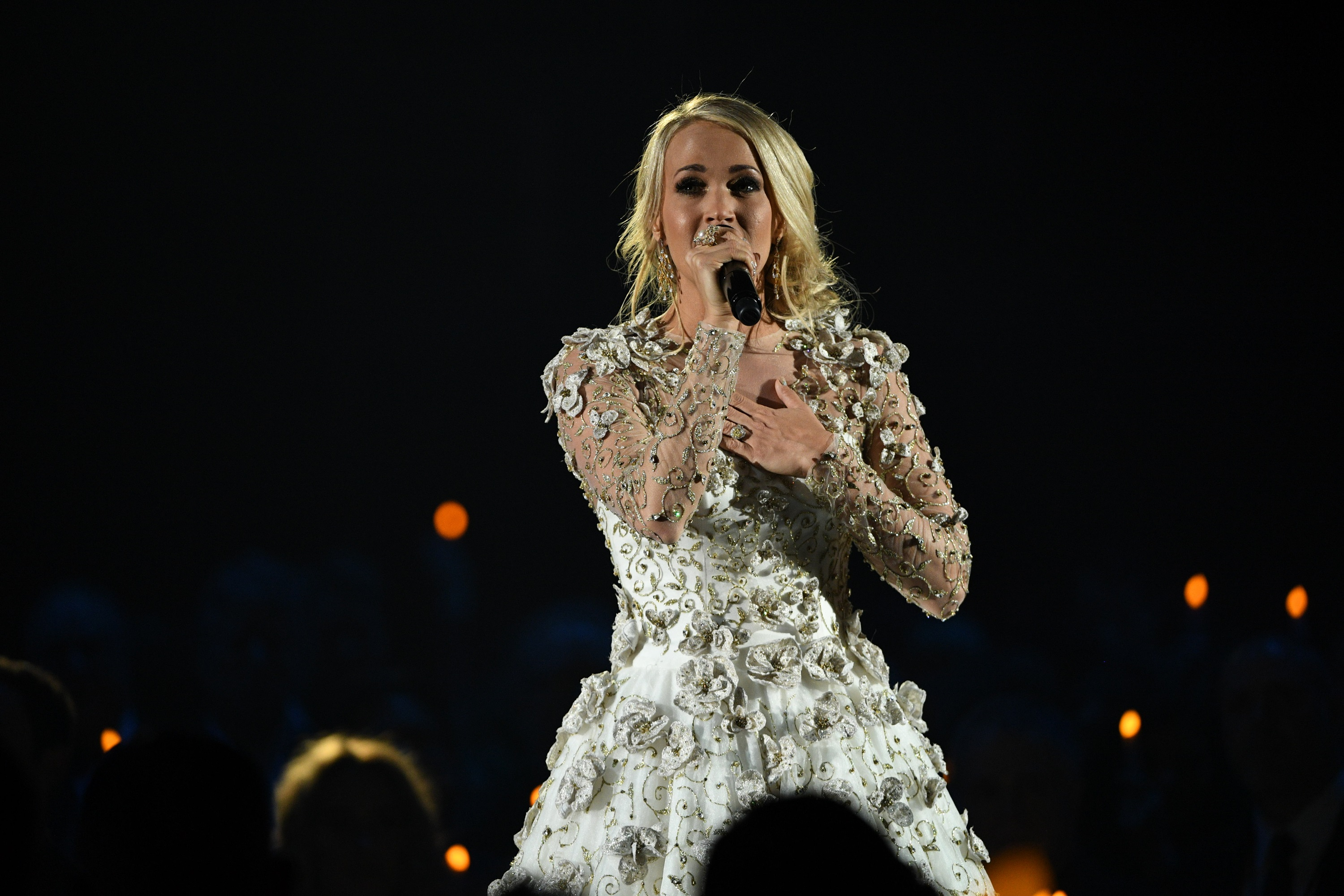 Carrie Underwood Injured in Fall Outside of Home