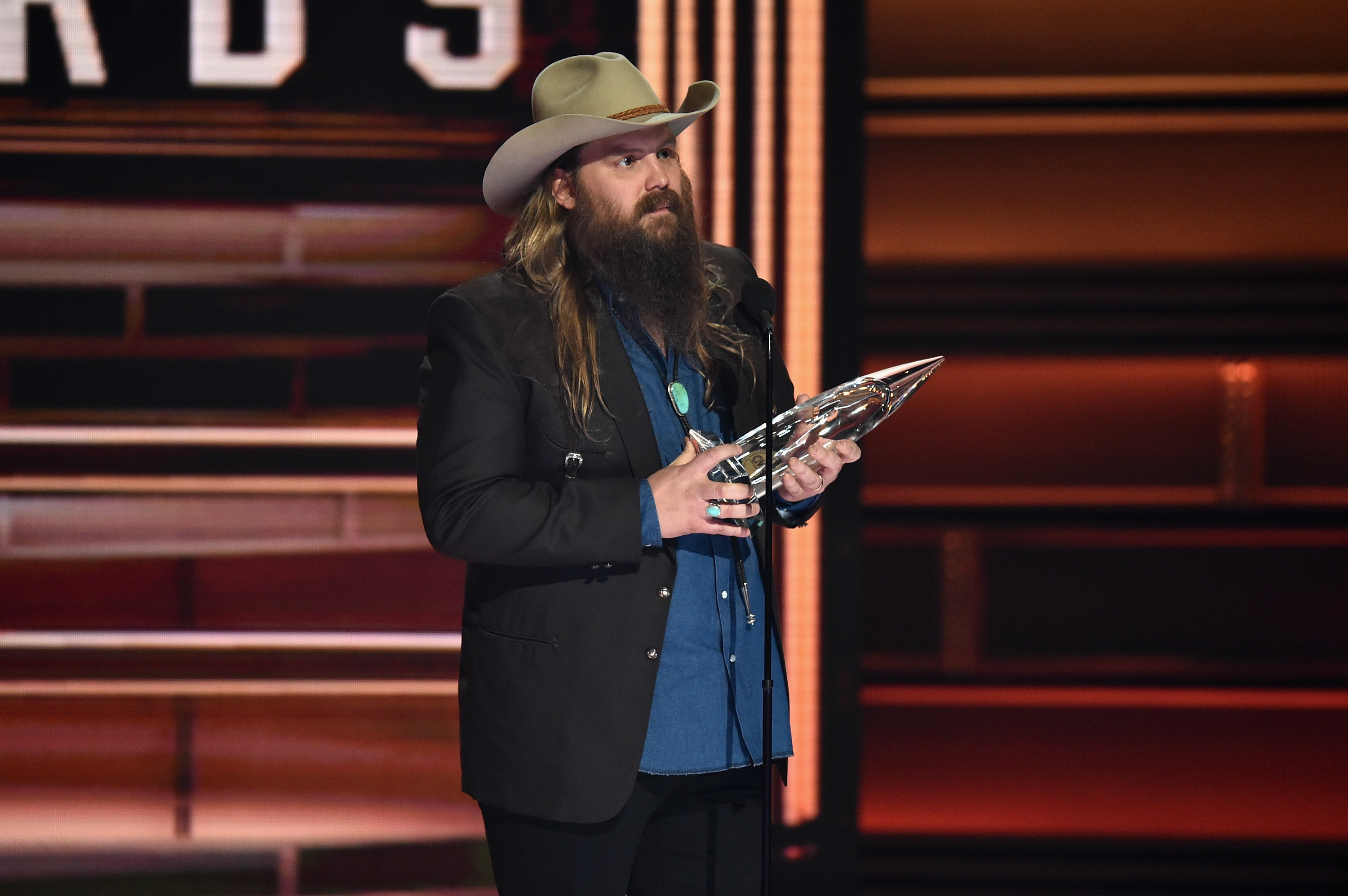 Chris Stapleton Claims CMA Male Vocalist of the Year Title