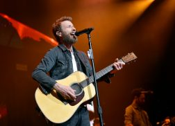 Dierks Bentley Plots New Album, 'The Mountain'