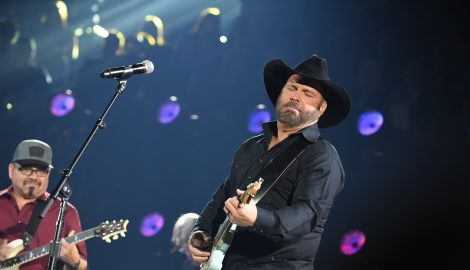 Garth Brooks Beautifully Illustrates Beginning of His Career in Part 1 of 'The Anthology'