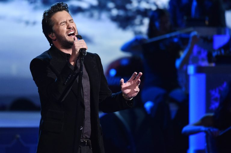Luke Bryan's Performance of 'O Holy Night' Gives Major Chills