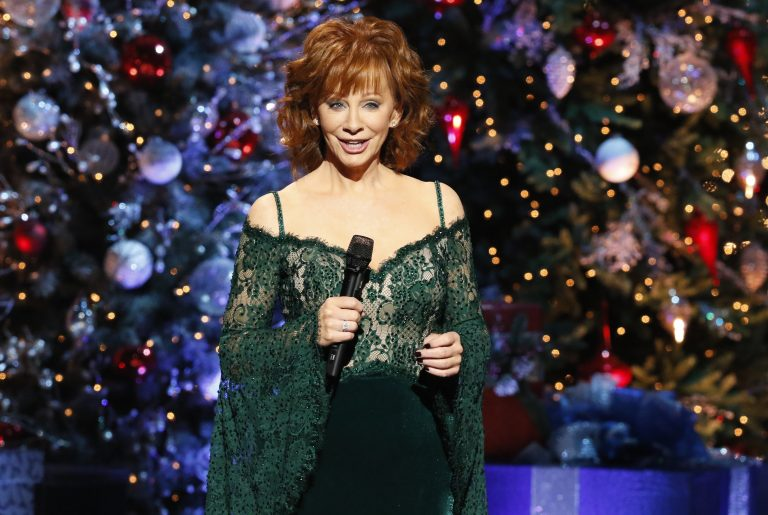 See Photos from 'CMA Country Christmas' 2017