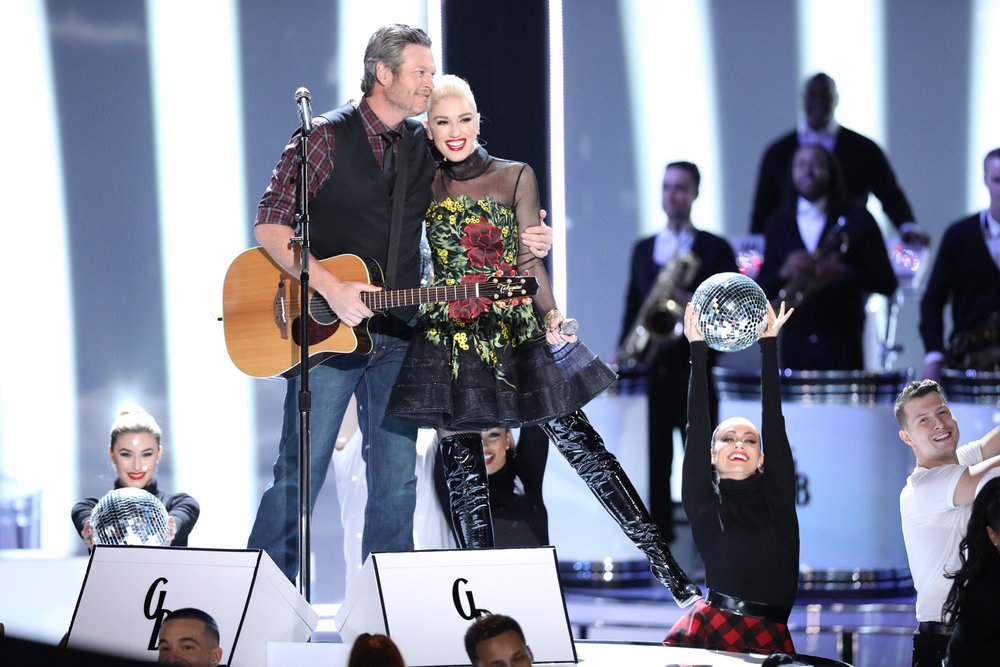 Blake Shelton and Gwen Stefani Bring Christmas Cheer to 'The Voice'