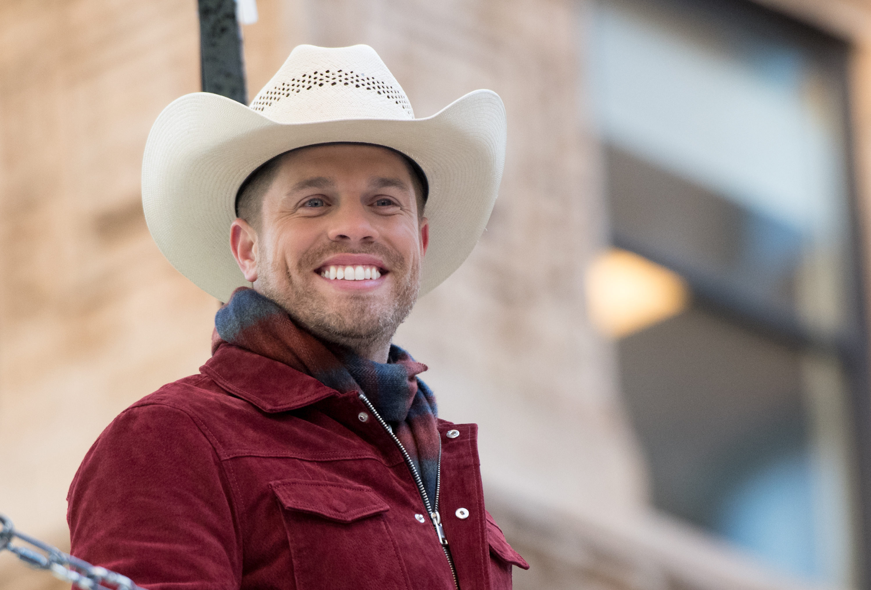 Dustin Lynch's Grandma Makes Him Perform at Church During Christmas