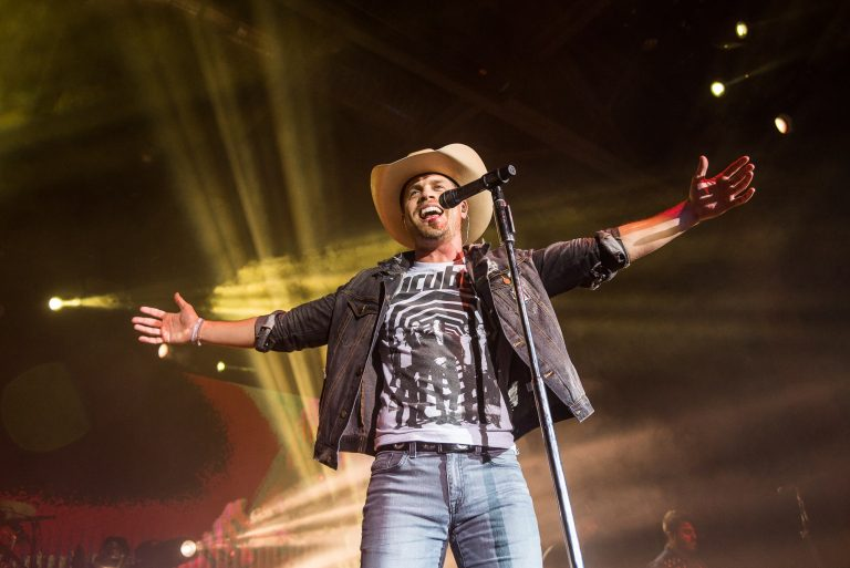 Dustin Lynch to Celebrate Tennessee's Musical Roots With Six Degrees to Tennessee Roots Jam