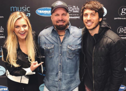 Kelsea Ballerini Turns Into Massive Fangirl at Garth Brooks and Trisha Yearwood Concert
