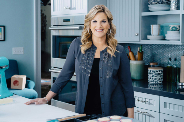 Trisha Yearwood Would Bring Mac & Cheese to Any Holiday Party