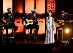 Eric Church, Maren Morris, Brothers Osborne Perform Powerful Tribute to Route 91 Harvest Victims