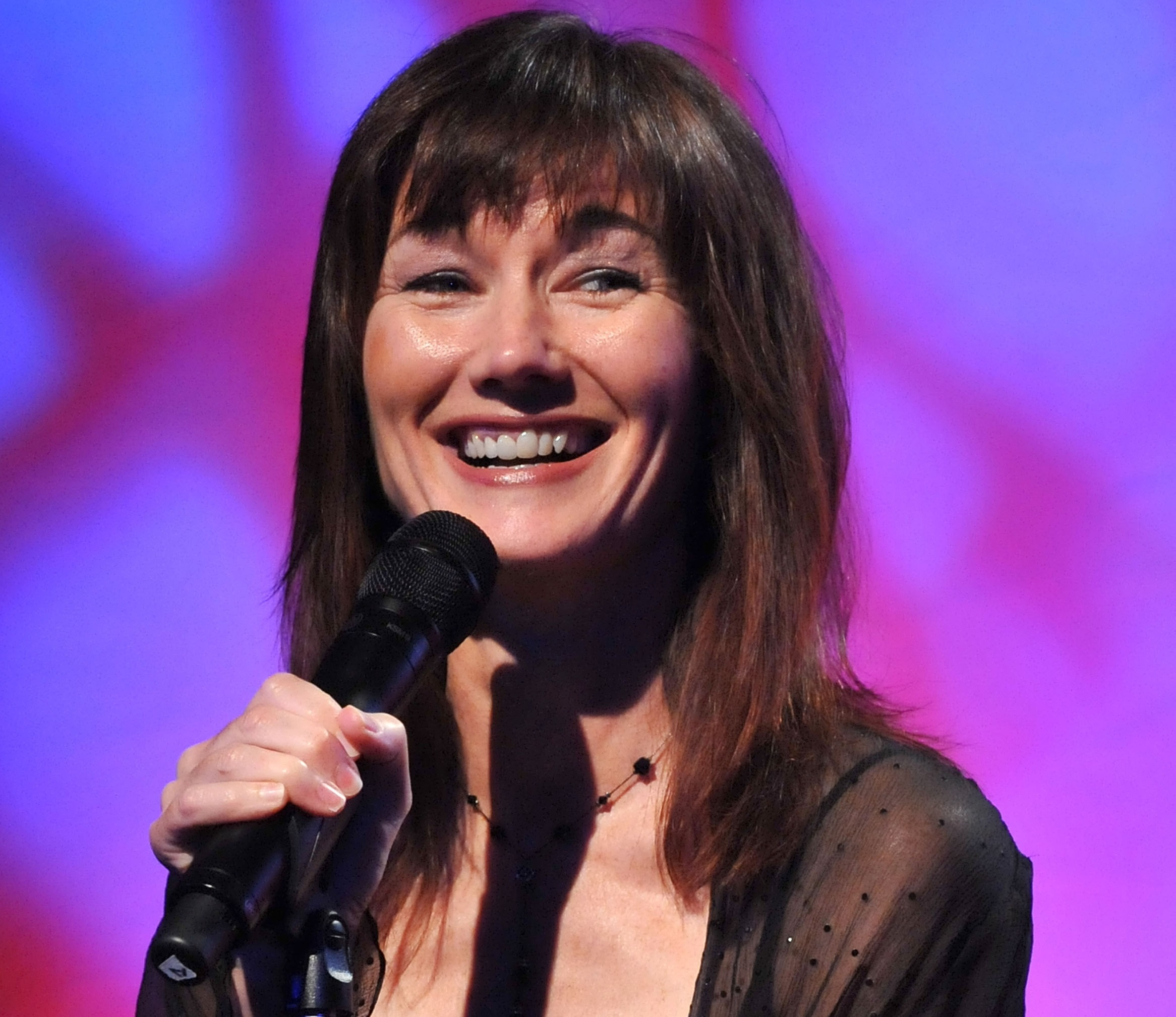 Country singer and actress Lari White dead at 52