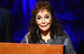 Loretta Lynn Falls and Breaks Her Hip