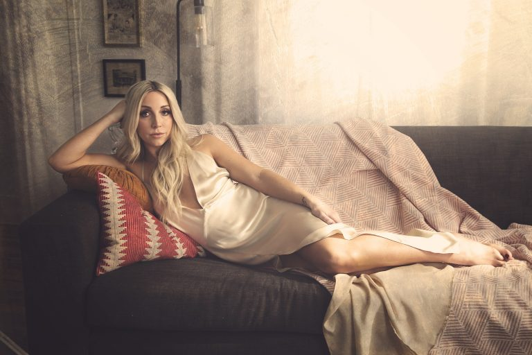 Ashley Monroe Gets Deeply Personal on Upcoming Album, 'Sparrow'