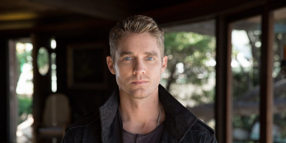 Brett Young Earns Fourth Consecutive No 1 With Mercy Sounds Like