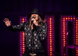 Kid Rock Brings the Party with A Thousand Horses