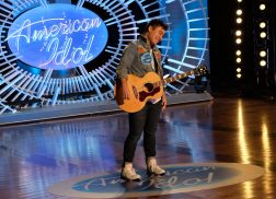 'American Idol' Contestants Channel Their Inner-Chris Stapleton