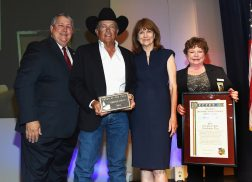 George Strait Accepts 2018 Texan of the Year Award