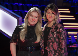 Cassadee Pope Will Advise Members of Team Kelly Clarkson on 'The Voice'
