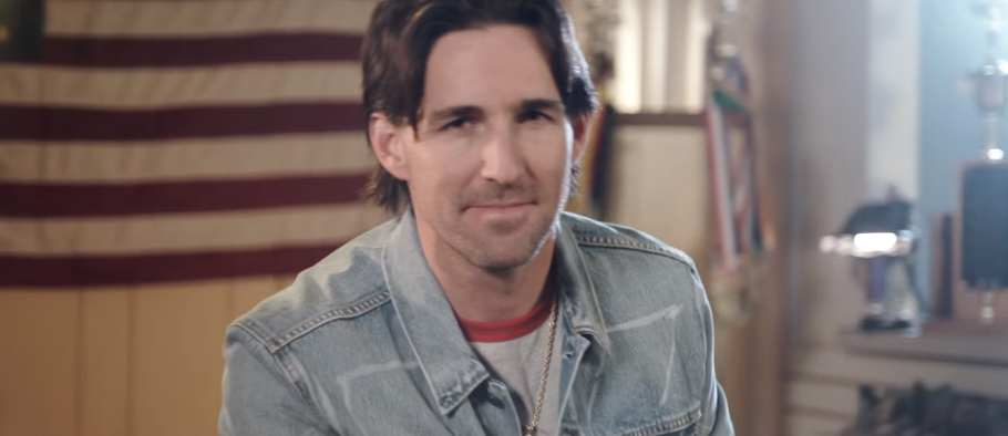 Jake Owen Revisits the '80s in 'I Was Jack (You Were Diane)' Video