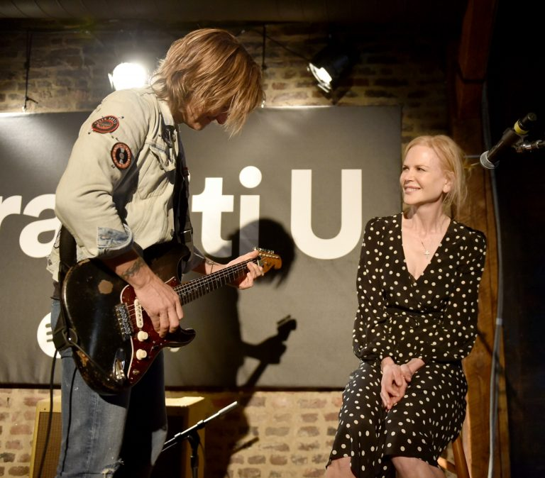 Keith Urban Serenades Nicole Kidman With 'Parallel Line' at Live Show