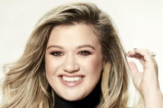 Is Kelly Clarkson Preparing to Host a Daytime Talk Show?