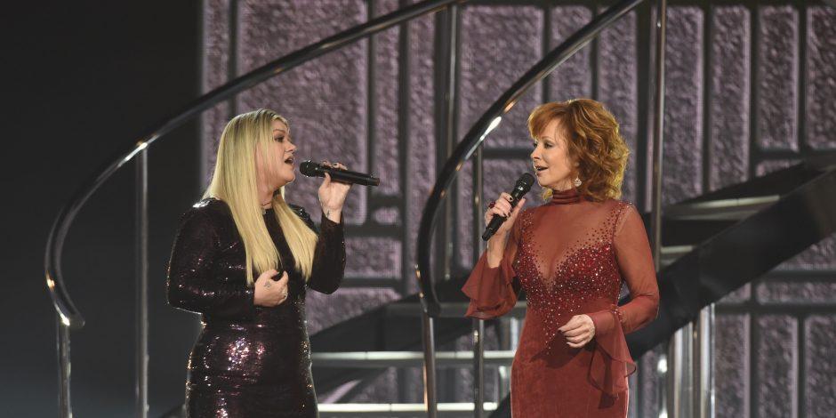 Reba McEntire, Kelly Clarkson Mesmerizeat 53rd ACM Awards