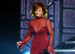 Reba Brings Back the 90s in her Iconic ACM Red Dress