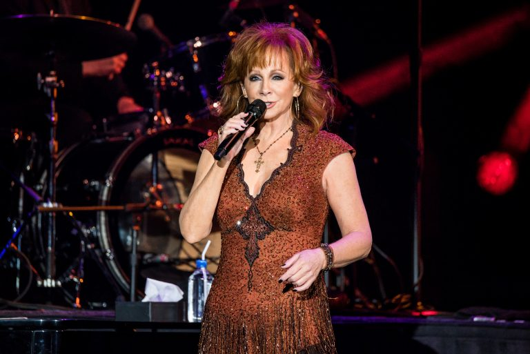 Reba McEntire Proves Why She's a Country Icon During Pennsylvania Concert